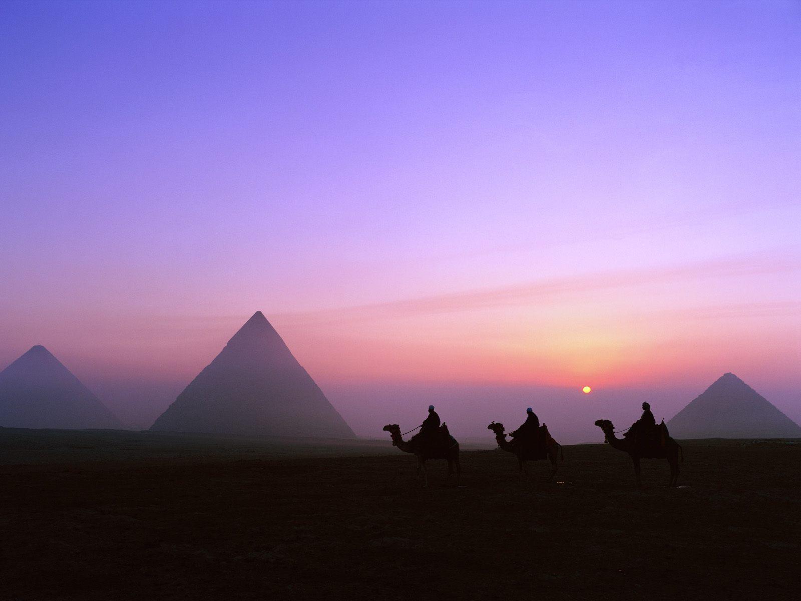 mystic-journey-pyramids-giza-egypt-1-1600x1200.jpg