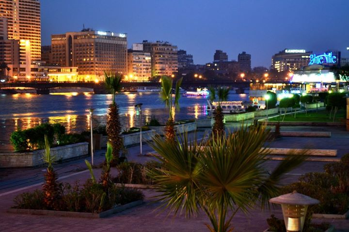Restaurants on the Nile River