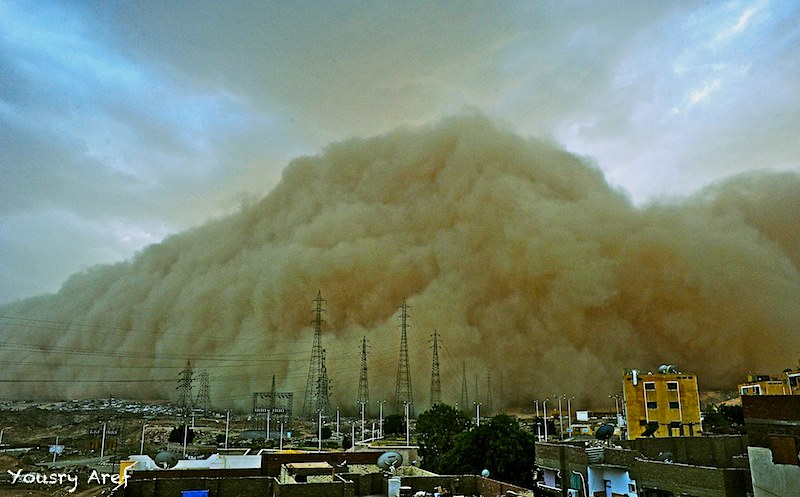 A sand storm moments before it engulfed the city of Aswan. Credit: Yousry Aref