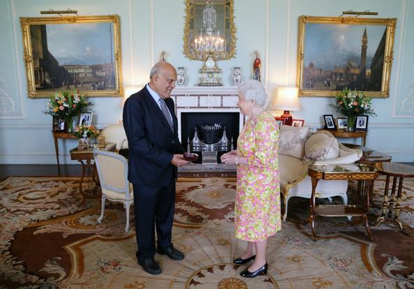 Professor Sir Magdi Yacoub receiving the Order of the Merit from Queen Elizabeth the II.