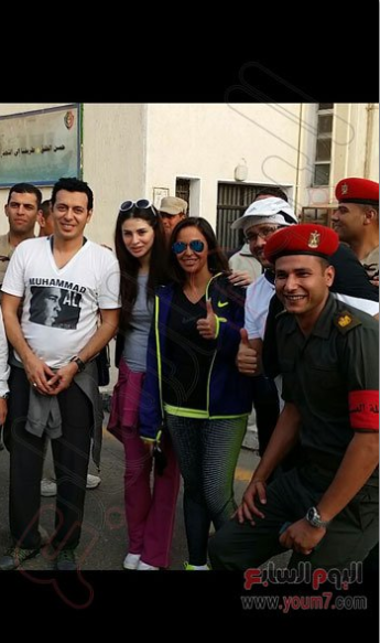 Several actors and actresses attended the marathon held at the Military Academy.