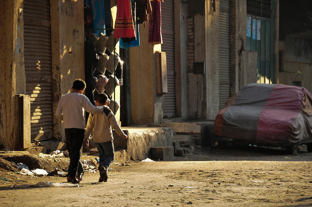 egypt-cairo-garbage-city-street-kids