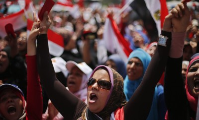 Protesters opposing Egyptian President Mohamed Morsi take part in protest, demanding that he resign, at Tahrir Square in Cairo July 2, 2013. REUTERS/Suhaib Salem