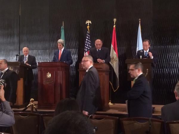 Foreign Minister Sameh Shoukry, United States Secretary of State John Kerry, Secretary General Ban Ki-moon and Arab League Secretariat Nabil el-Araby at a conference held in Cairo Friday night. Photo: Sonia_Dridi\Twitter