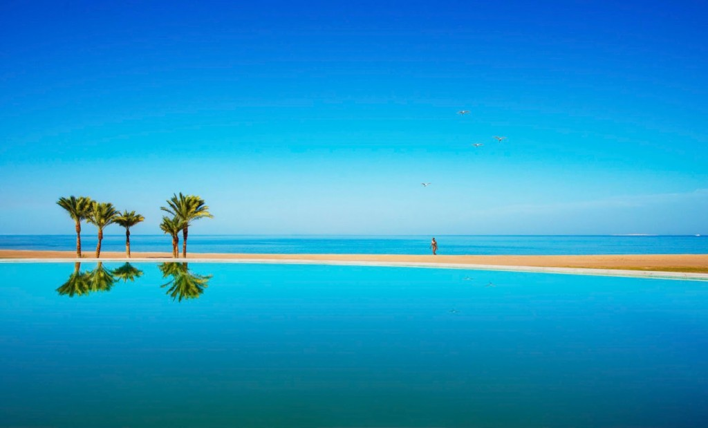 Pool and Beach 2 Baron_Palace_Resort_Sahl_Hasheesh