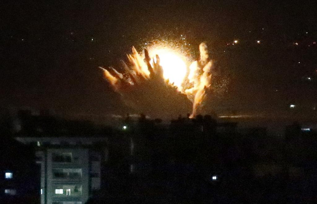Israeli missile strikes Gaza during ground incursion