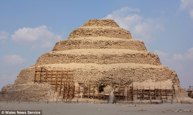 pyramids of egypt essay Essay on the great pyramids 1941 words | 8 pages wonders of the ancient world that still stands it is the great pyramid of khufu, at giza, egypt.