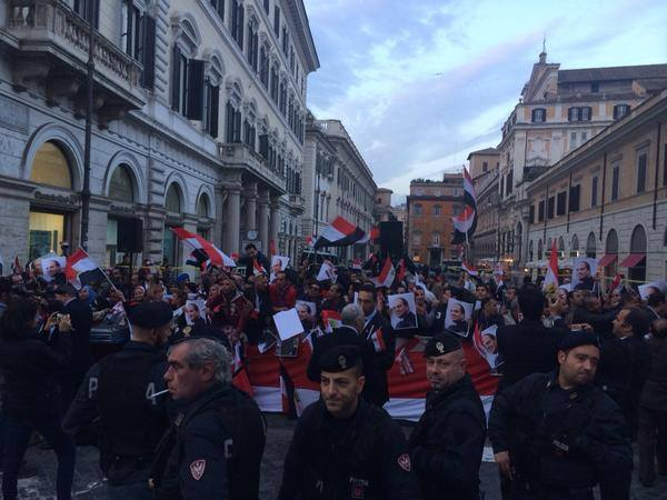 Supporters of Egyptian President Sisi in Rome.