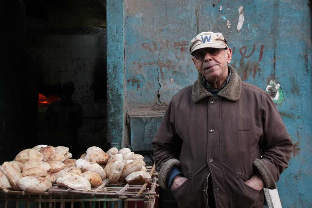 Centralization of opportunities in Cairo means that many young men are unable to make enough money to become independent. Photo courtesy of @karemelhayawan