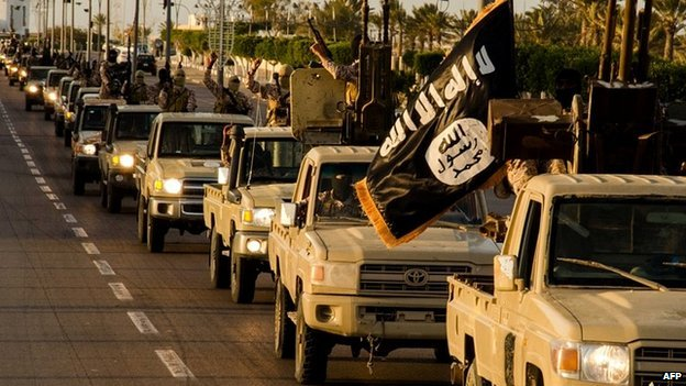 Eye witnesses in North Sinai have reported militants roaming the streets of Sheikh Zuweid, with cars raising the ISIS flag (Archive photo from Libya)