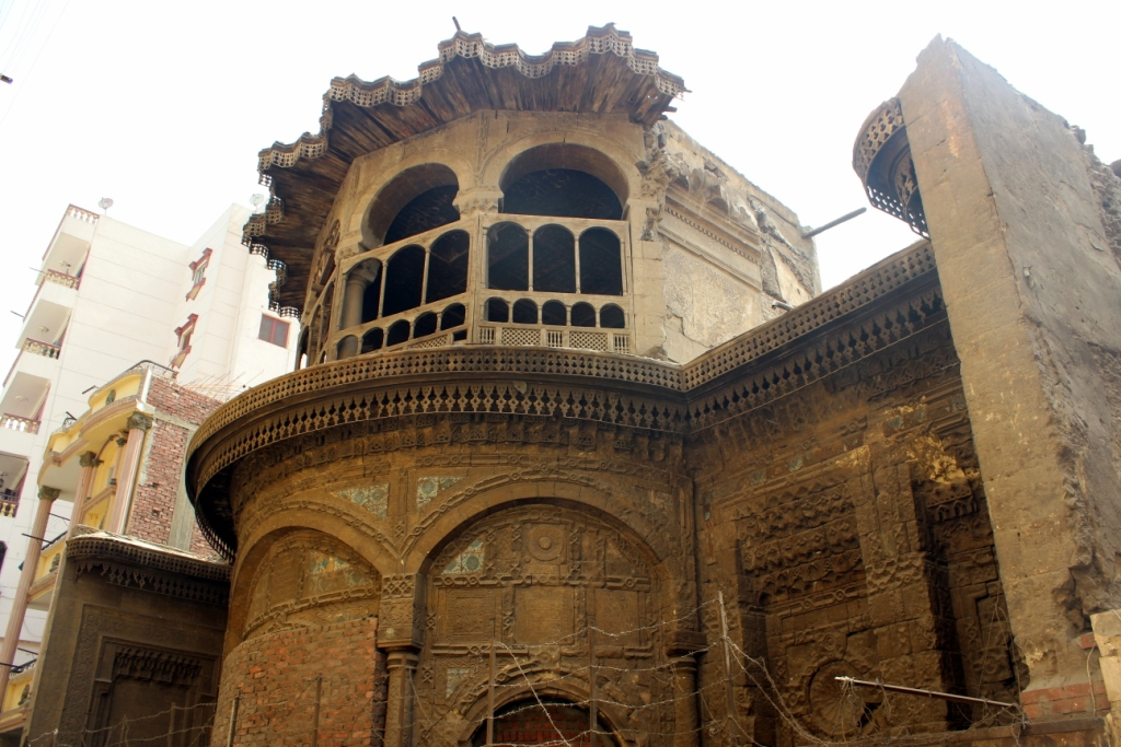 A building from al-Darb al-Ahrmar district, one of those set to be renovated, is seen in this picture, taken on April 29, 2015. ASWAT MASRIYA/Ahmed Hamed