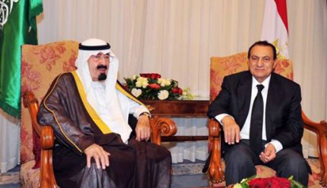 Saudi Arabia's King Abdullah (L) meeting with Hosni Mubarak days before the Egyptian revolution.
