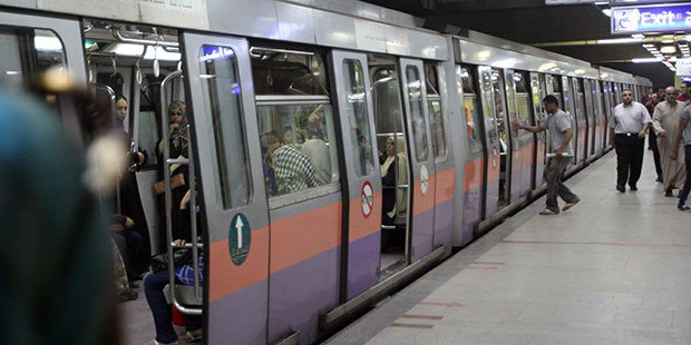 "The Sadat Metro station has been shut down once again for ""security reasons"""
