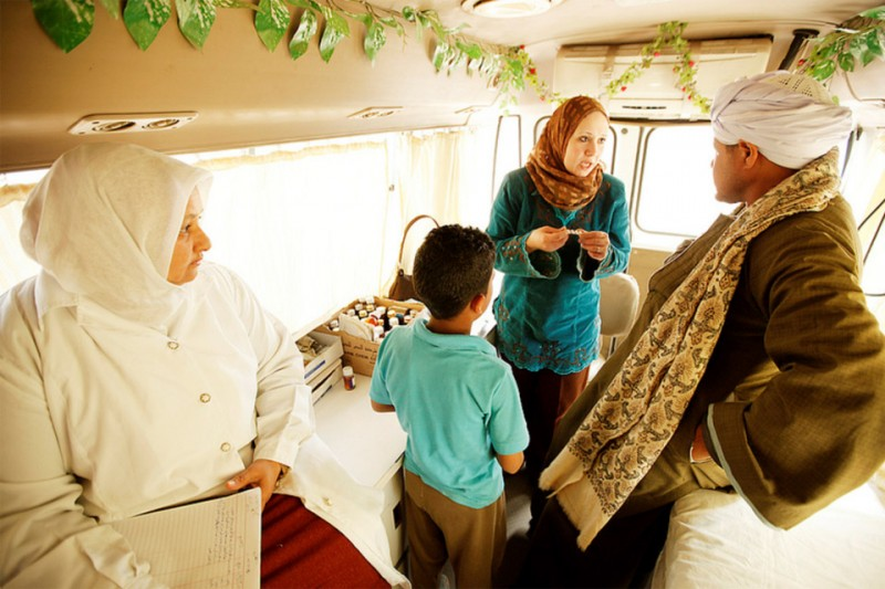 In Egypt mobile clinics, financed by the Global Fund to Fight AIDS, Tuberculosis and Malaria, have made services to prevent and treat tuberculosis available to many living in rural areas and slums. Photo: The Global Fund/John Rae