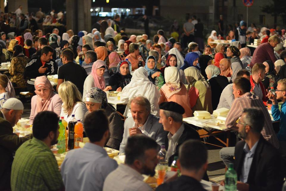 Traditional Ramadan Iftar. Credit: Novi Travnik