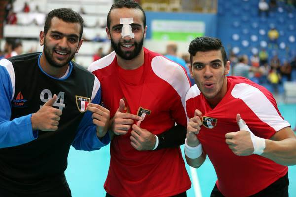 Egyptian players following their victory over Sweden. Credit: IHF.