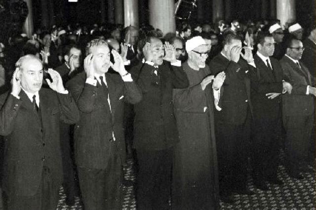 Late president Anwar al-Sadat performing Eid Prayer alongside former Grand Imam of al-Azhar Mohamad al-Fahham
