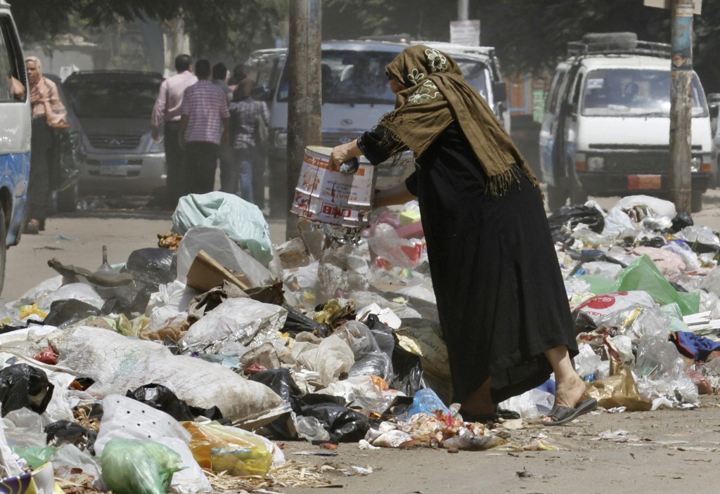 Cairo governorate sets out on a new campaign to limit and eliminate littering in the city. Credit: AP
