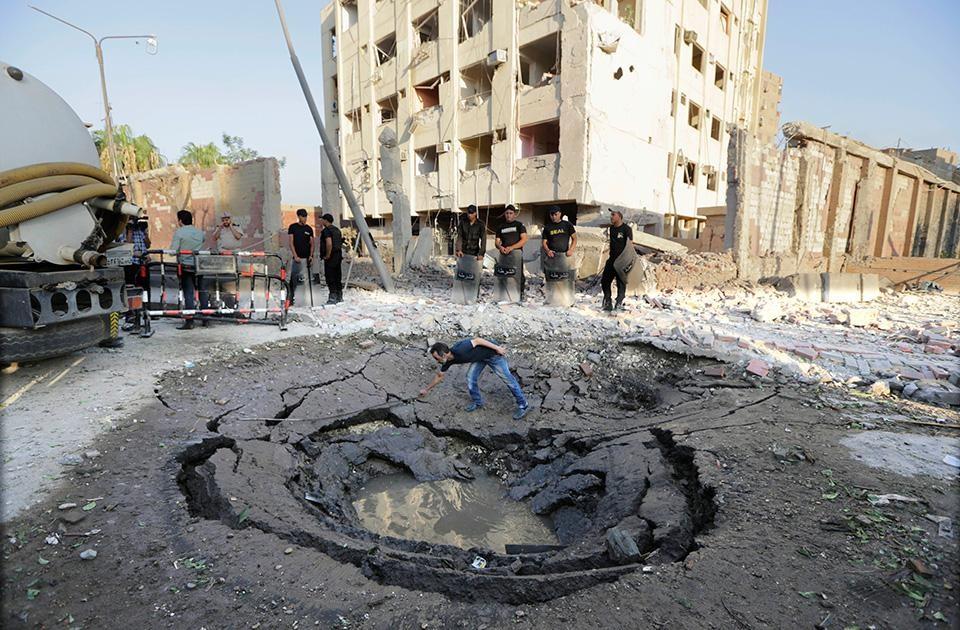 Site of the bomb at Shubra El Kheima.