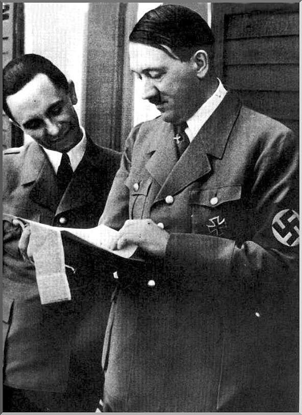 Joseph Goebbels (left) and Adolf Hitler (right)
