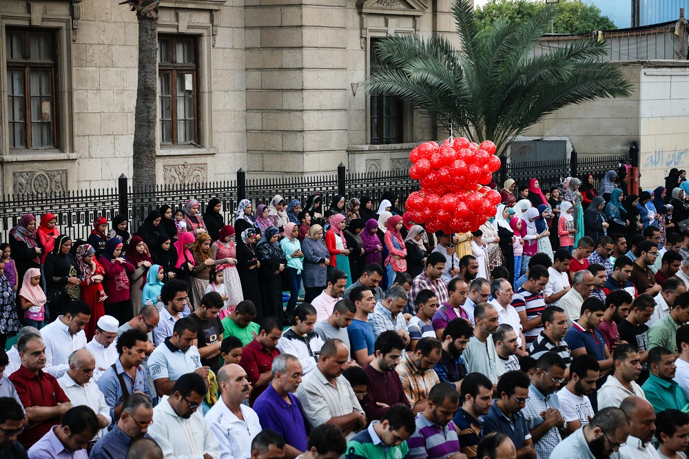 Early morning Eid prayers at Al-Qaed Ibrahim mosque, September 24, 2015. PHOTO: Asmaa Abdel Latif, Aswat Masriya.