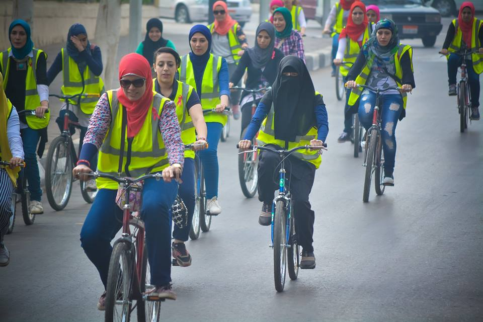 Egyptian women cycling to raise awareness about breast cancer which spreads among 17.8 percent of Egyptian women. Courtesy: Bike Land