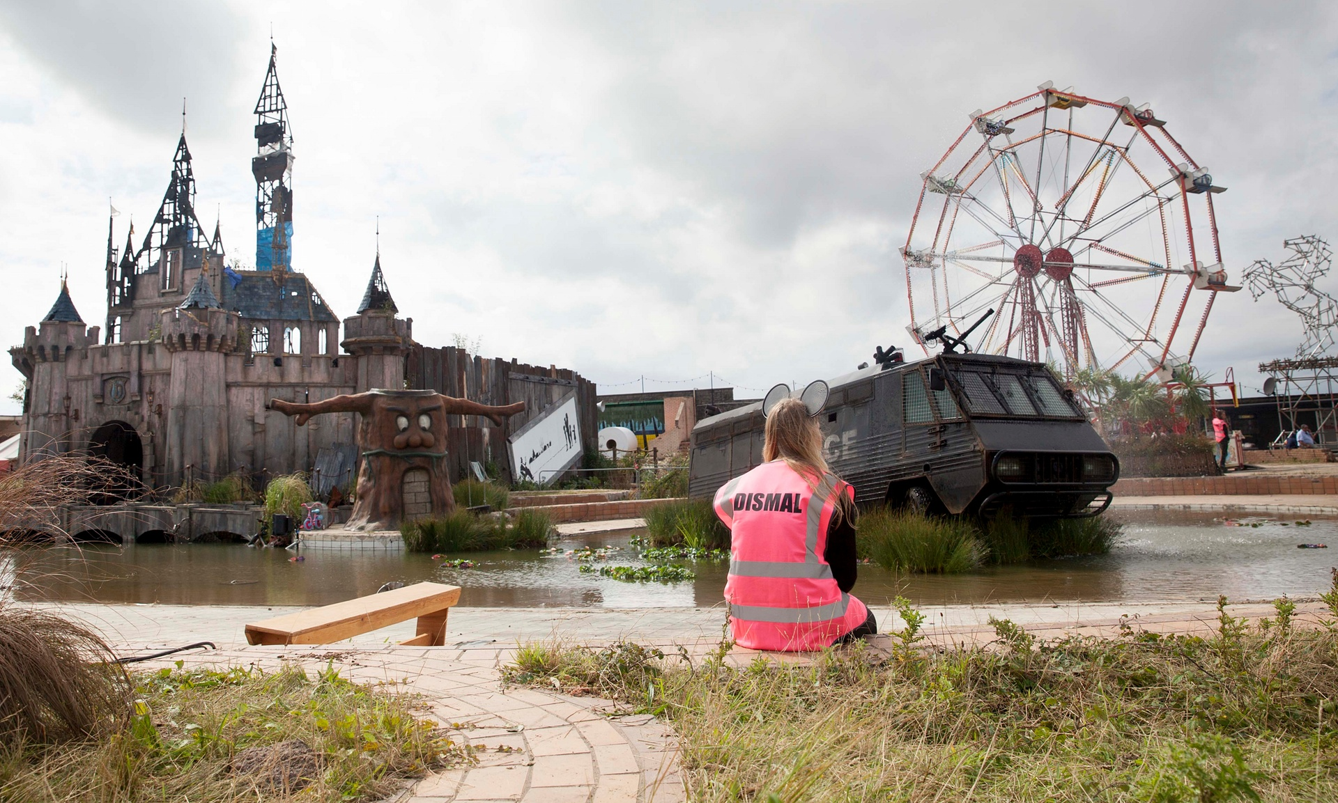 "Parts of the dismantled ""bemusement park"" Dismaland to be shipped to the Calais camp, the ""Jungle"", to shelter migrants. Credit: Alicia Canter"
