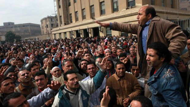 Textile workers strike to demand a minimum wage, the removal of their company's head, and back pay of yearly bonuses in Mahalla, Egypt, February 15, 2014. Credit: Sabry Khaled/ AP