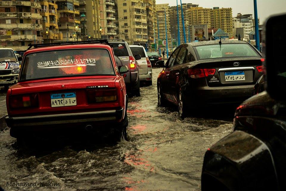 Traffic came to a halt as rainwater flooded Alexandria's streets. Photo: Mohamed Hakim
