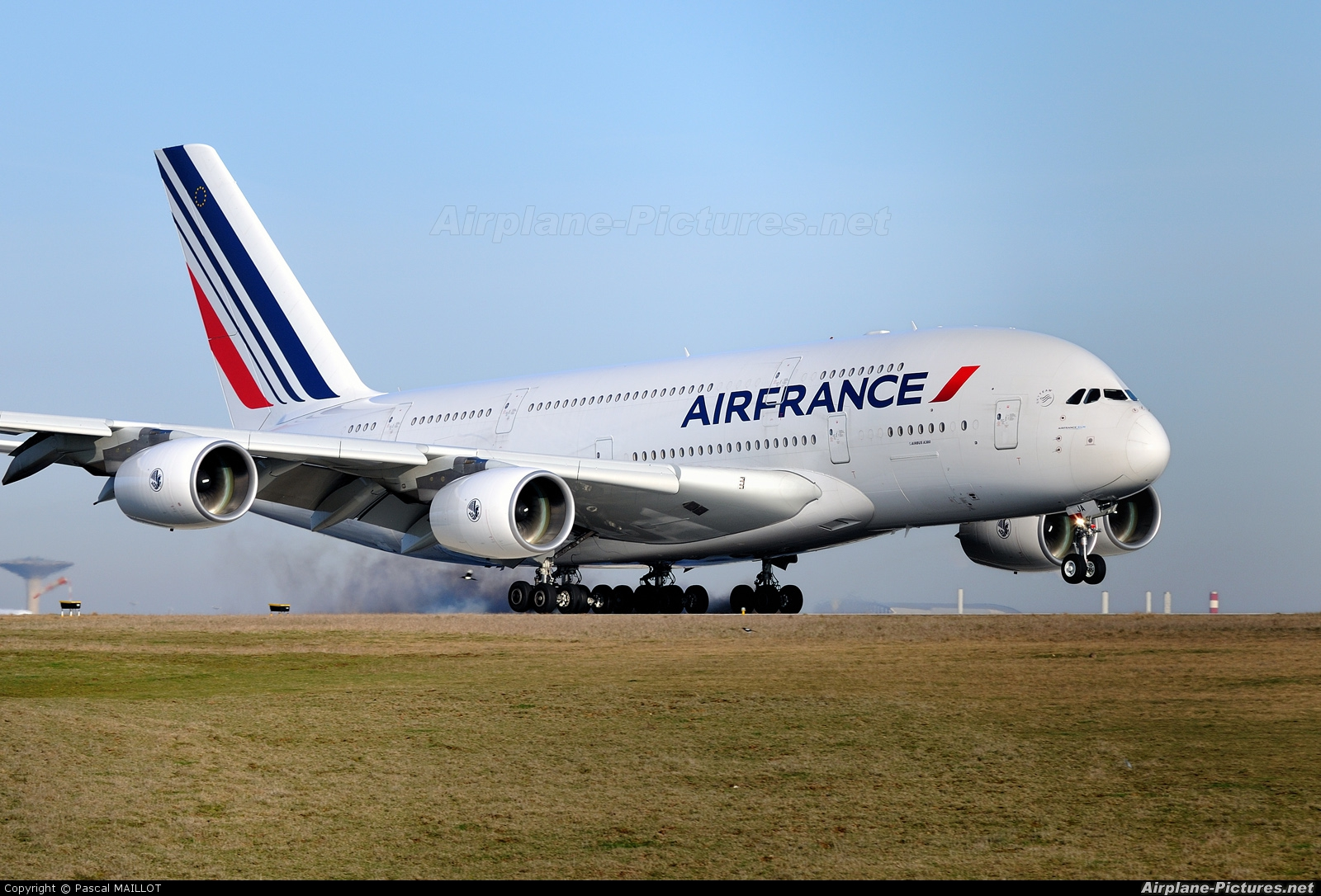 Two air france flights from u s to paris diverted after for Flights to paris today