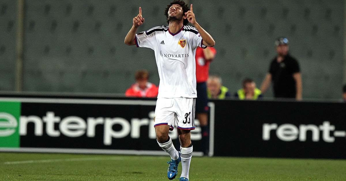 FLORENCE, ITALY - SEPTEMBER 17: Mohamed Elneny of FC Basel 1893 celebrates after scoring a goal during the UEFA Europa League match between Fiorentina and Basel on September 17, 2015 in Florence, Italy. (Photo by Gabriele Maltinti/Getty Images)