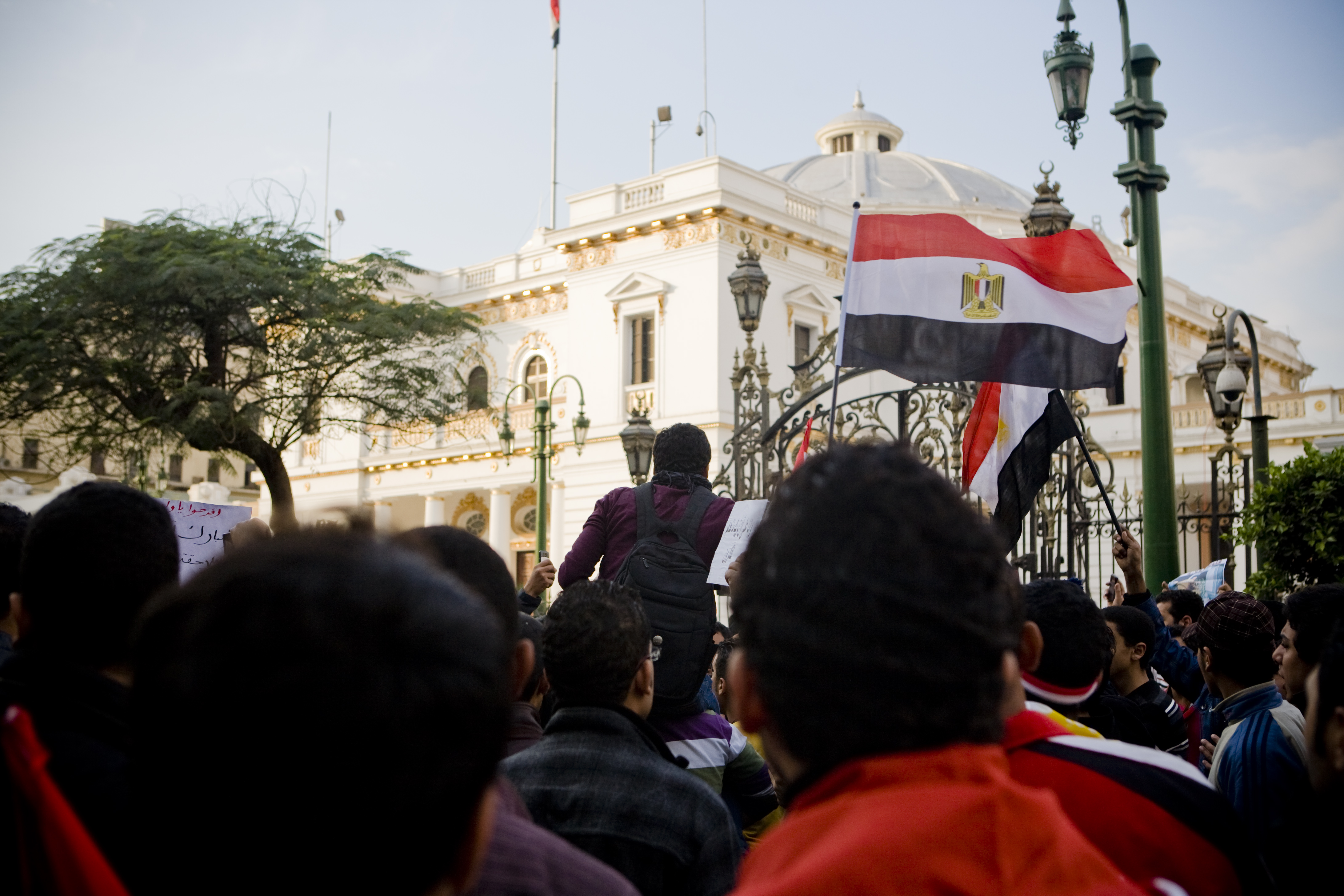 Protestors surround the Egyptian Parliament during the 2011 Revolution. Photo: Hossam El Hamalawy, via Flickr