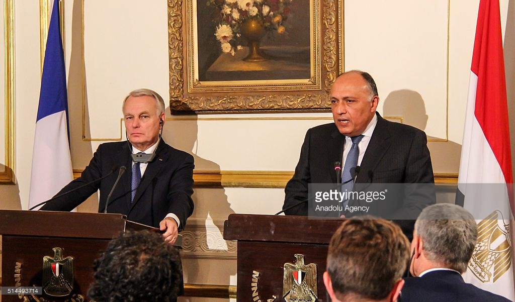 French Minister of Foreign Affairs Jean-Marc Ayrault (L) and Egypt's foreign minister Sameh Hassan Shoukry (R) hold a press conference after their meeting at Foreign Ministry building in Cairo, Egypt on March 9, 2016. Photo: Getty Images