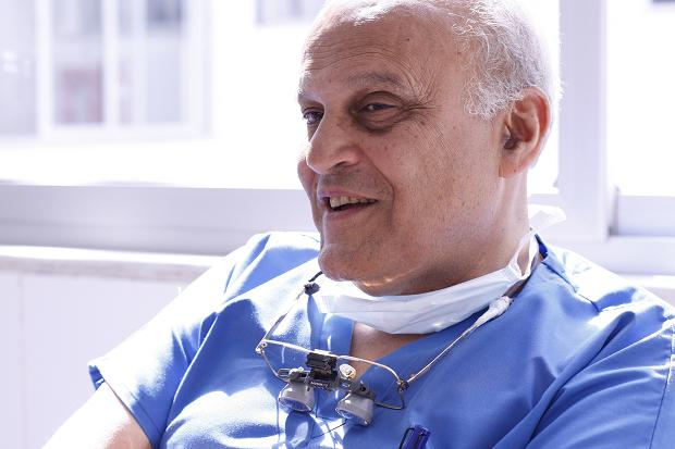 Leading Egyptian Heart Surgeon Magdi Yacoub to Perform Pro