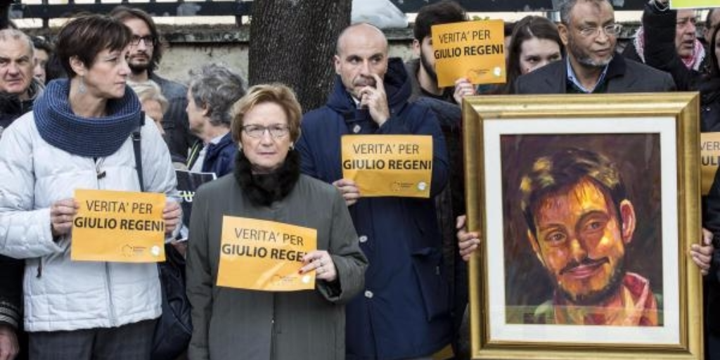Protestors in front of the Egyptian embassy in Rome demand the truth in the Giulio Regeni case. Photo: ANSA