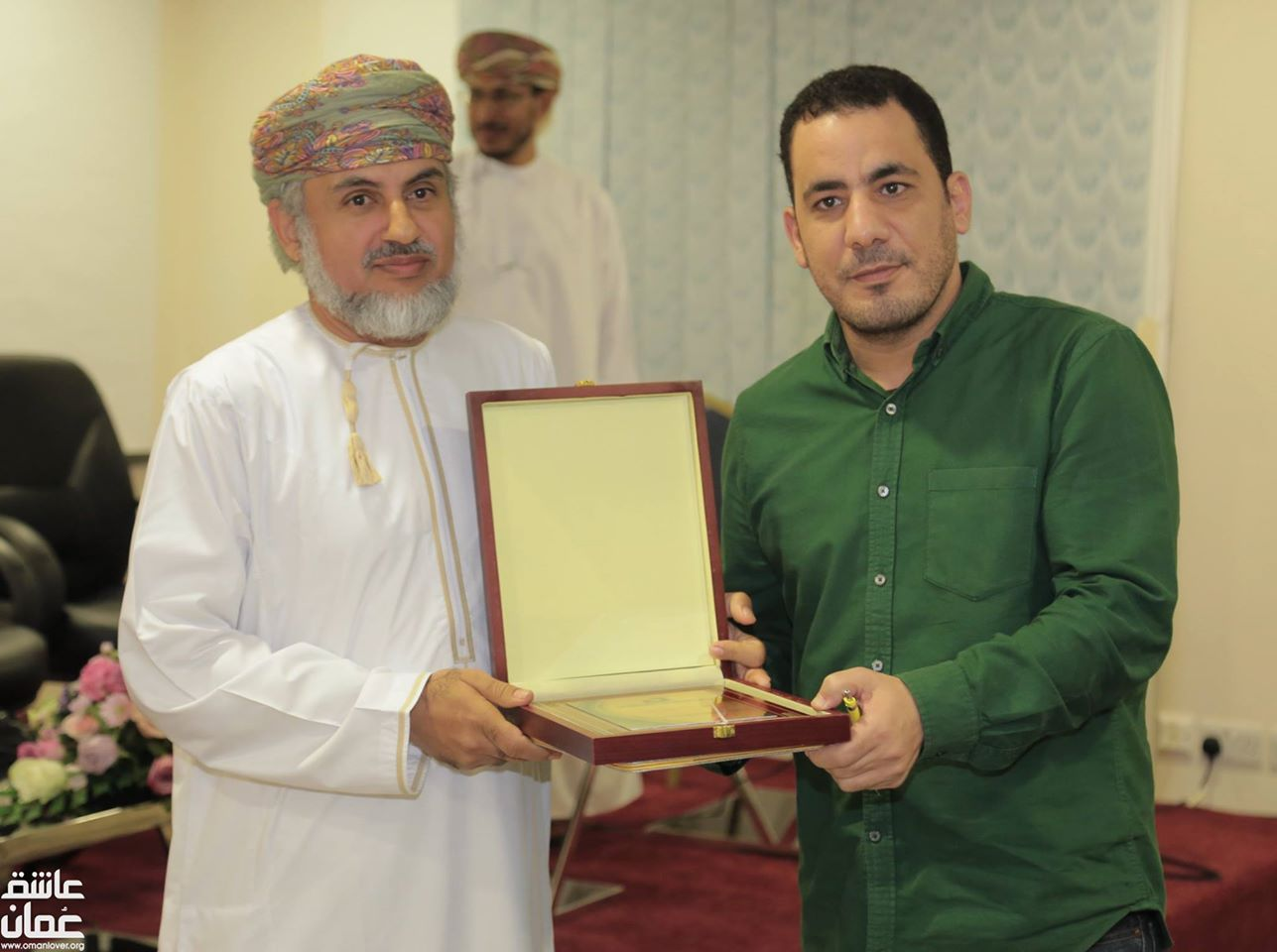 "Recognition and award in a Forum on Extremism in Muscat, Omar. He presented a paper entitled ""Extremism in Combating Extremism"""