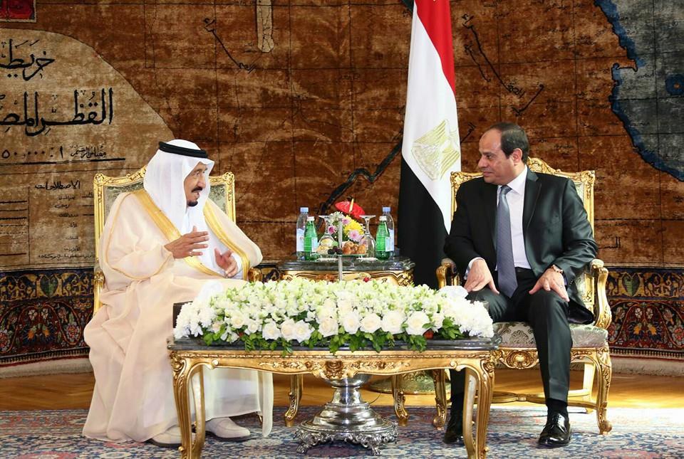 Saudi Arabia's King Salman (L) meets with Egyptian President Abdel Fattah Al-Sisi (R) in Cairo, April 2016. Photo: Egyptian Presidency