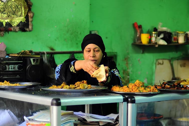 Aunt-Franca-the-woman-behind-Moez-Street's-most-popular-falafel-and-fuul-12
