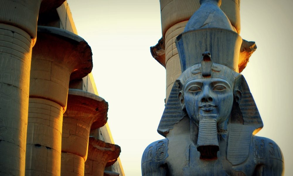 Statue of Ramses II in Luxor Temple (Credit: Mohammed Moussa, Wikicommons)