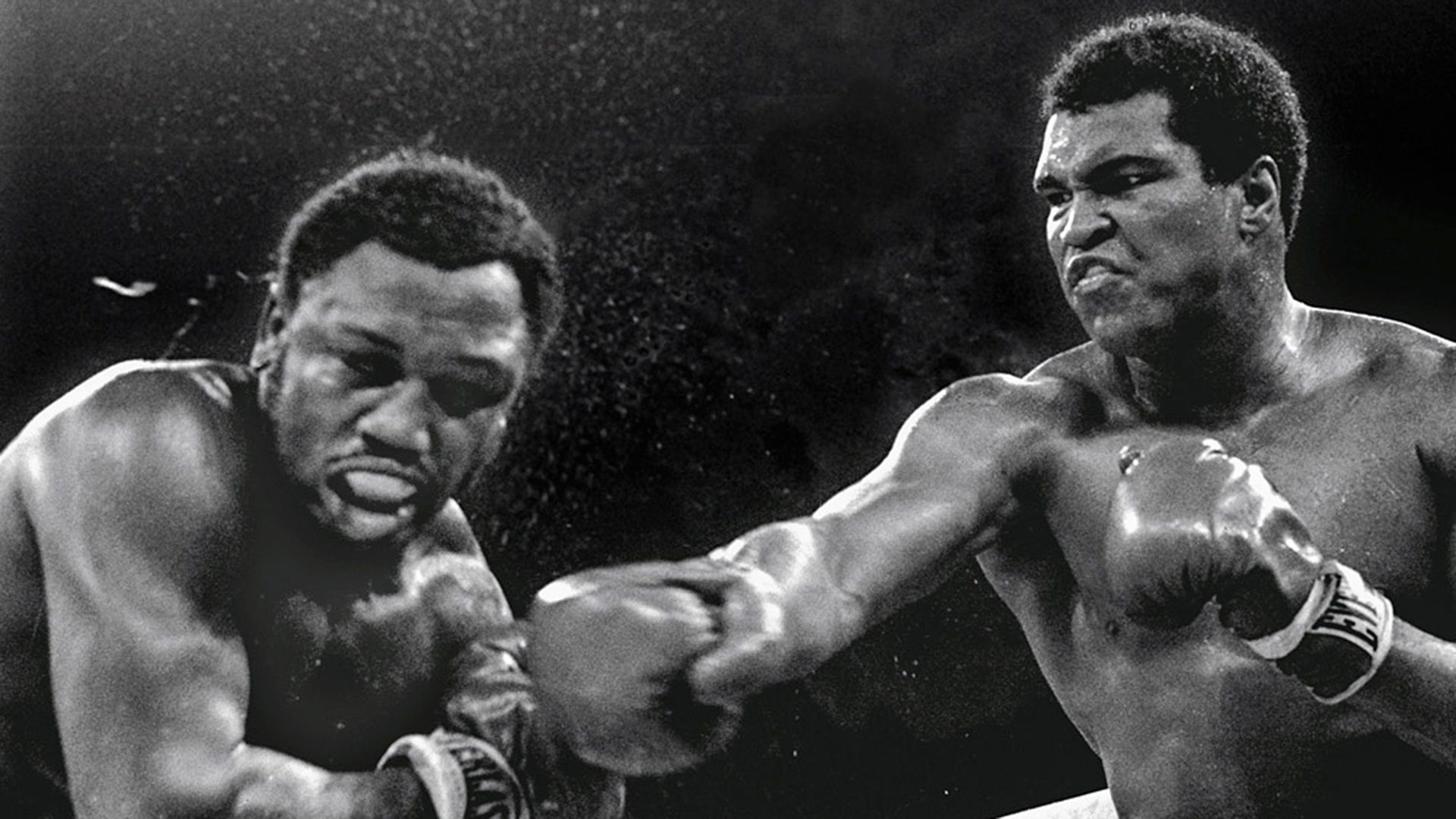 Ali lands a straight rand hand on Joe Frazier in Manila