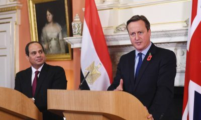 Britain's Prime Minister David Cameron (R) speaks during a news conference with Egypt's President Abdel Fattah al-Sisi at Number 10 Downing Street in London, Britain, November 5, 2015. Photo: Andy Rain / Reuters