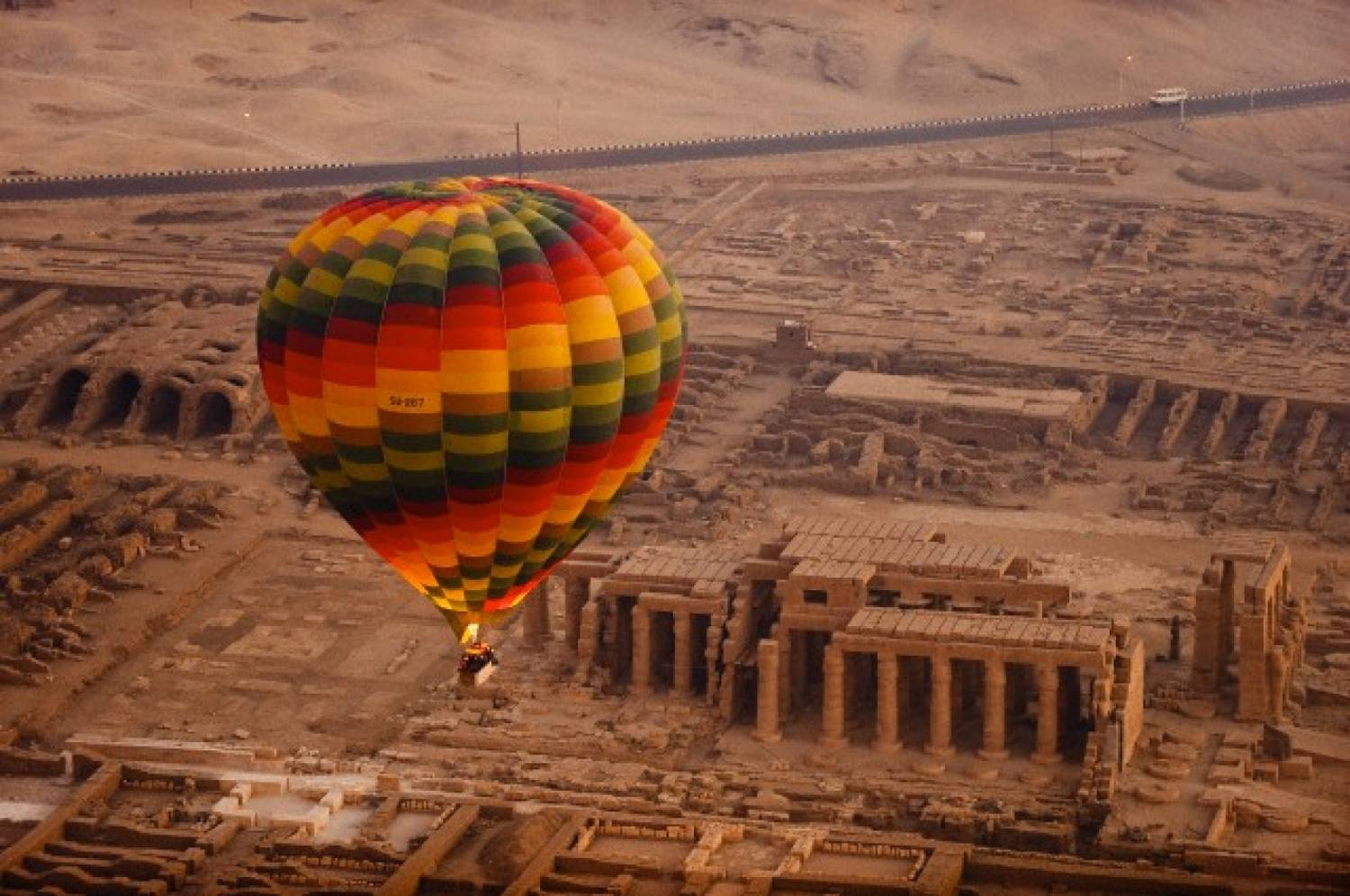 S. African tourist killed in Egypt balloon crash, 12 injured