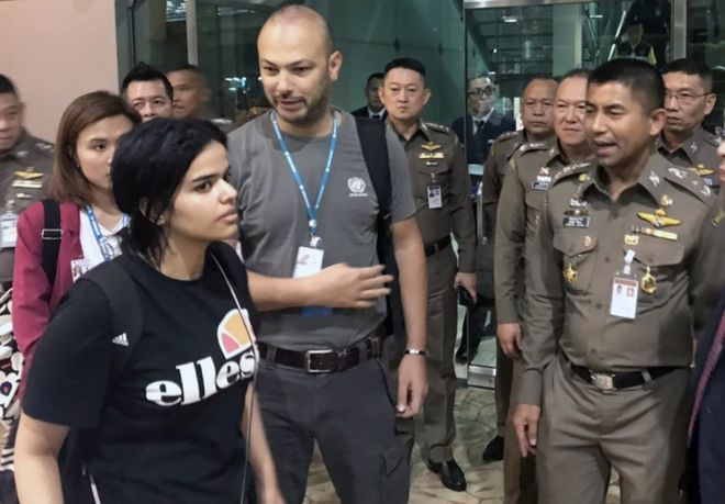 Father arrives in Bangkok to visit Saudi woman seeking asylum in Australia