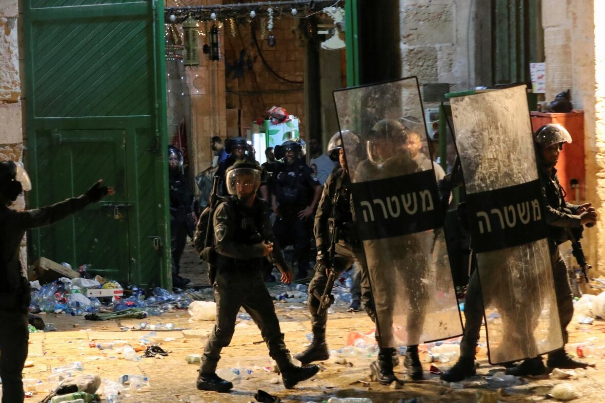 More than 170 Palestinians injured in clashes with Israeli police in Jerusalem